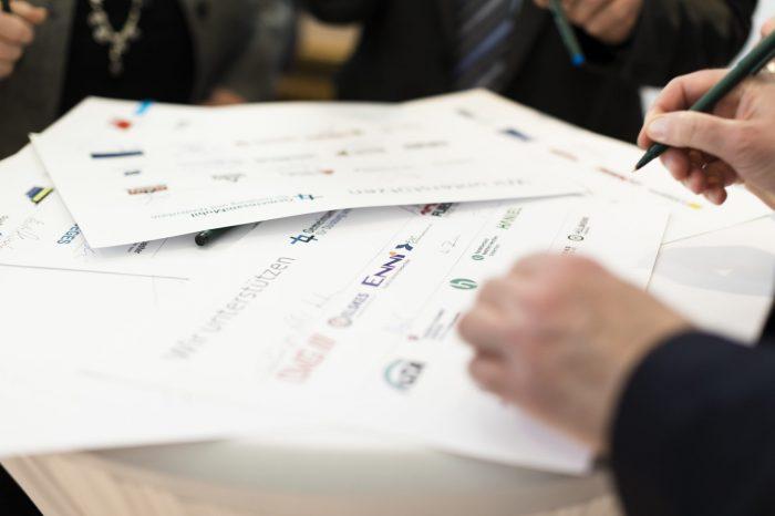 Unterschriften zum Memorandum